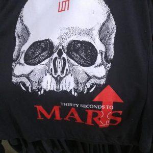 CAMISETA PRETA ROCK N ROLL THIRTY SECONDS TO MARS