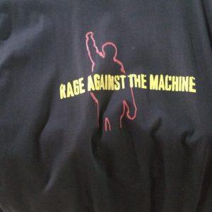 CAMISETA PRETA ROCK N ROLL RAGE AGAINST THE MACHINE