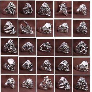 ANEL 1 pç Gótico Do Vintage Dos Homens Dos Esportes Do Crânio de Metal Jóias de Rock Anéis Estilos Mistos 18-22m R$30,00  FRETE GRATIS S