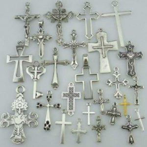 COLAR Religião Liga Varia Cruz formas Prata Achados Pingente Beads R$30,00 cada FRETE GRATIS