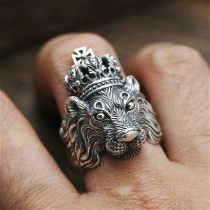 ANEL Rei leão quente Anéis de Dedo Para Os Homens Cruz Anel Cabeça de Leão Animal Animal Anel De Pedra Do Punk  R$30,00  FRETE GRATIS