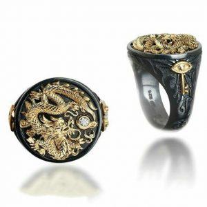 """ANEL Homens s """"O Anel do Dragão em Prata Oxidada e Ouro 14k com Diamante  R$60,00  FRETE GRATIS  SITE aqui www.DUGEZZU.com.br boas compras"""