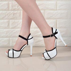 SAPATO Sandálias femininas, a nova seção de primavera e verão da Europa e dos Estados Unidos com sapatos pequenos de salto alto FRETE GRATIS