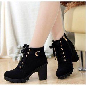 BOTA Entrega de alta qualidade Lace-up Ladies Shoes PU couro botas de salto alto novo outono mulheres botas de tornozelo FRETE GRETIS