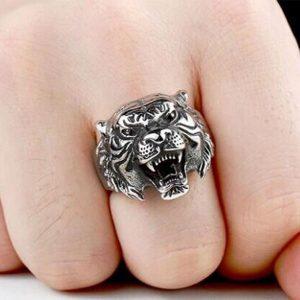 Anel de tigre de personalidade punk para homens Bons detalhes Animal Jewelry for Men (Tamanho: US 8-11) FRETE GRATIS