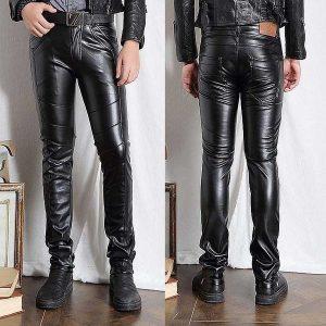 CALÇA Mens Faux Leather Pants PU Material Black Slim Fit Calças de couro da motocicleta para homens Www.DUGEZZU.Com.Br ANTECIPE SUAS COMPRAS DEMORA ALGUNS DIAS PRA VOCE RECEBER FIQUE A VONTADE E BOAS COMPRAS …FRETE GRATIS