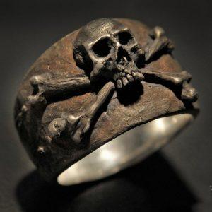 ANEL Gótico do vintage dos homens de aço inoxidável 316L anel de caveira pirata dos homens do punk de alta detalhe motociclista jóia anel de pirata Www.DUGEZZU.Com.Br ANTECIPE SUAS COMPRAS DEMORA ALGUNS DIAS PRA VOCE RECEBER FIQUE A VONTADE E BOAS COMPRAS …FRETE GRATIS